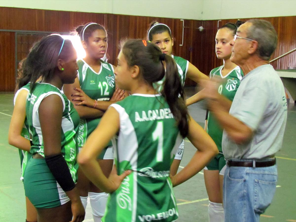 VÔLEI FEMINIO – Caldense/SMEL joga em São Gonçalo do Sapucaí
