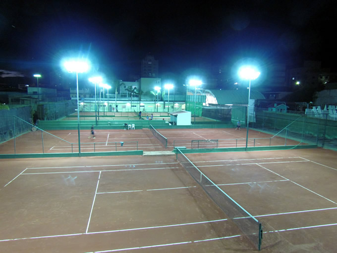 Novo sistema de iluminação foi instalado nas quadras de tênis 7a3a11ec265a0