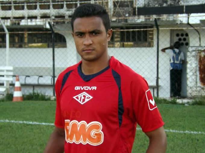 Tiago Azulão é o novo reforço da Veterana para 2015.