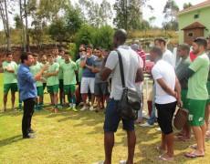 """""""Gosto que o time imponha jogo"""", revela o novo técnico da Caldense"""