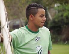 Paulo Morais assina contrato com a Caldense