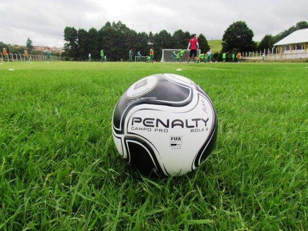 Penalty 8 é  bola oficial do Campeonato Mineiro de 2016