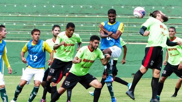 Caldense empatou em 0 a 0 com o Velo Clube e terminou pré-temporada invicta (Foto: Renan Muniz / Caldense)