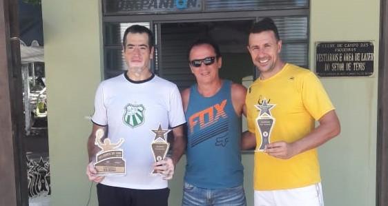 Tenistas da Caldense vencem torneio master em Porto Ferreira-SP