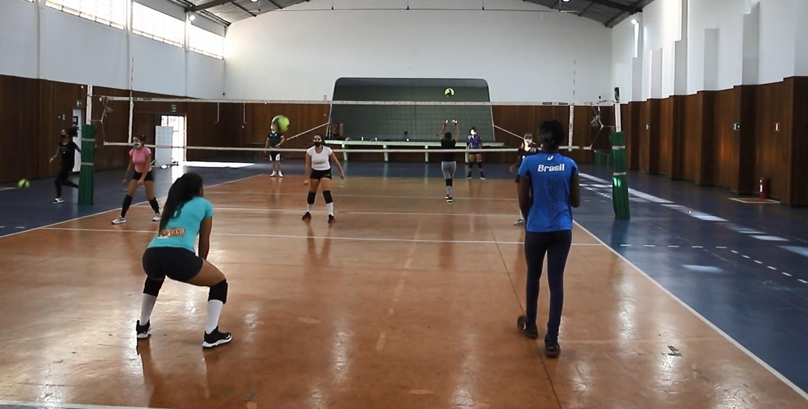 Projetos de vôlei: Atleta enaltece os cuidados tomados pela Caldense no retorno das atividades