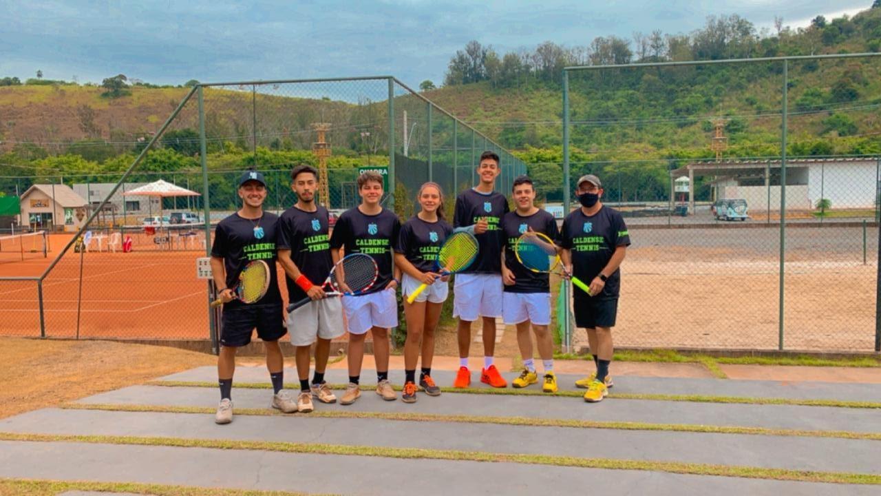 Jogadora da Caldense, Paolla Gomes, vence aberto de tênis em Itajubá-MG e atletas do clube se destacam
