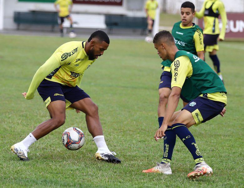 Caldense treina no Ronaldão em preparação para jogo contra a Ferroviária