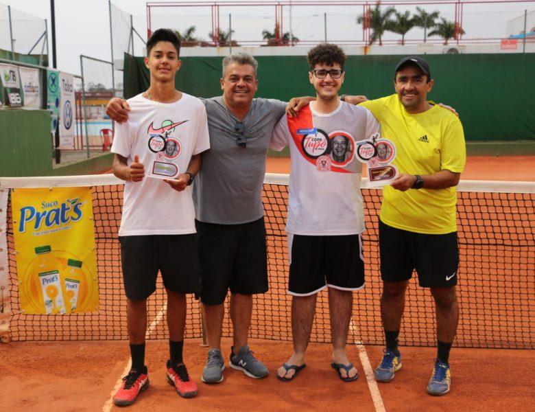 Igor de Parolis é vice-campeão da Copa Tupô de Tênis em Mococa-SP